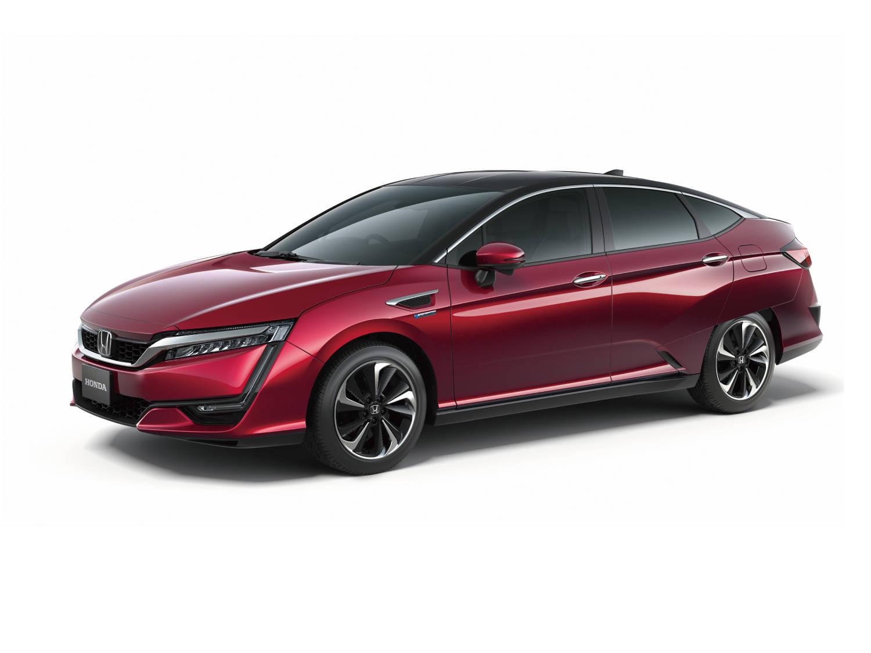 Vare sig fossila bränslen eller batteribilar har någon framtid i långa loppet, säger en Hondachef. Vätgas är den bästa lösningen. Bilen på bilden är en bränslecellsprototyp som företaget visade upp för ett år sedan.