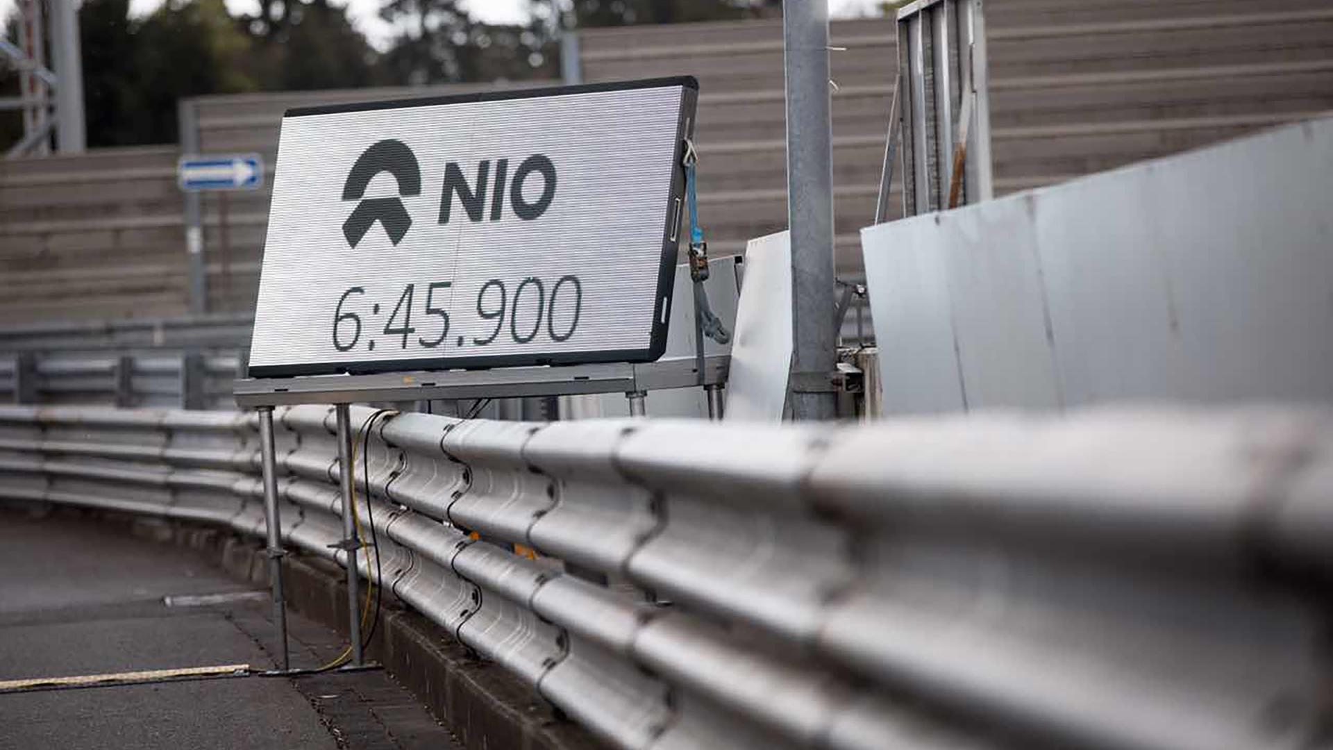 NIO_EP9-00