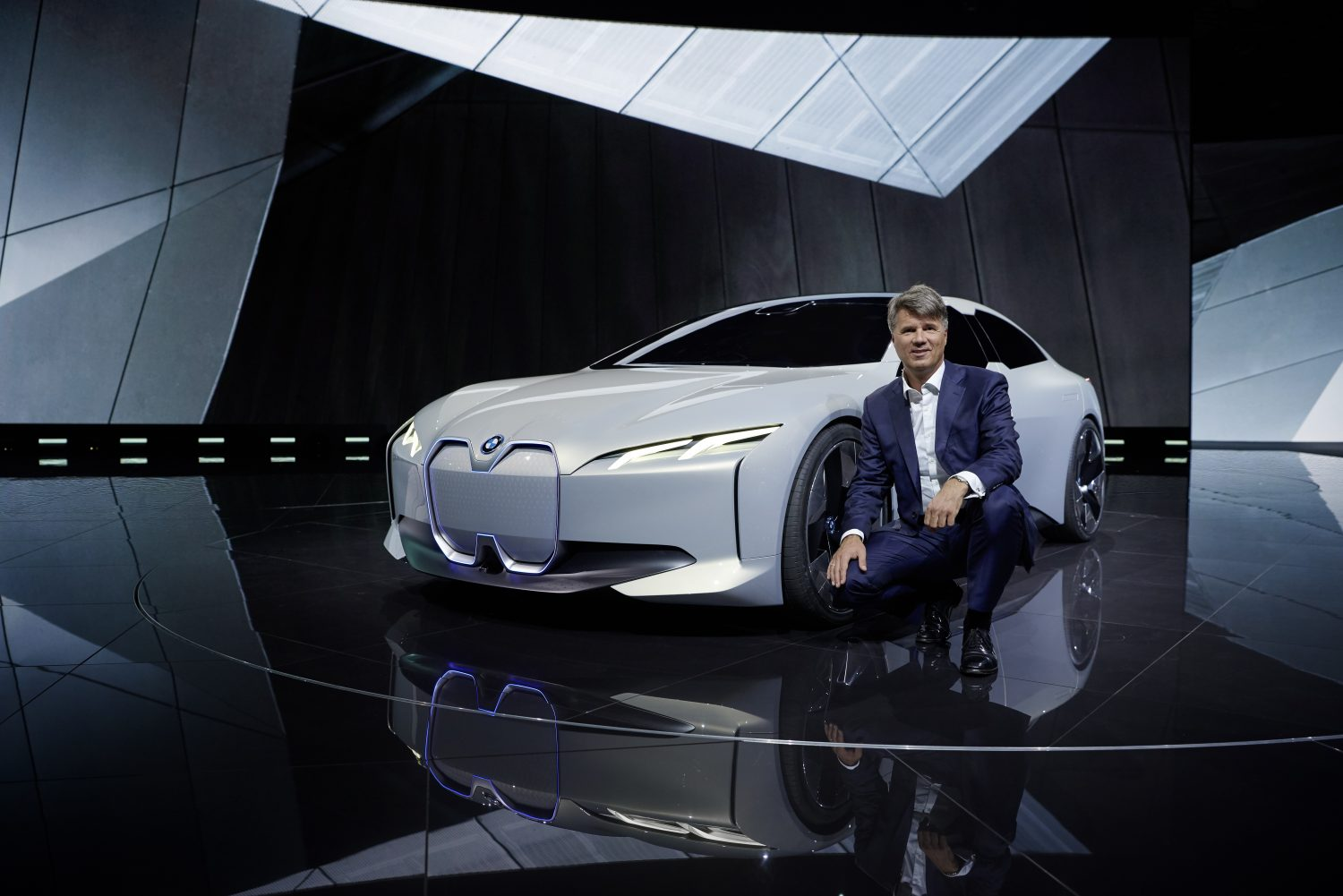 P90276534_highRes_bmw-i-vision-dynamic