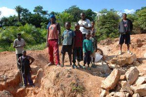 En koboltgruva i Kongo-Kinshasa. FOTO: Julien Harneis/Flickr