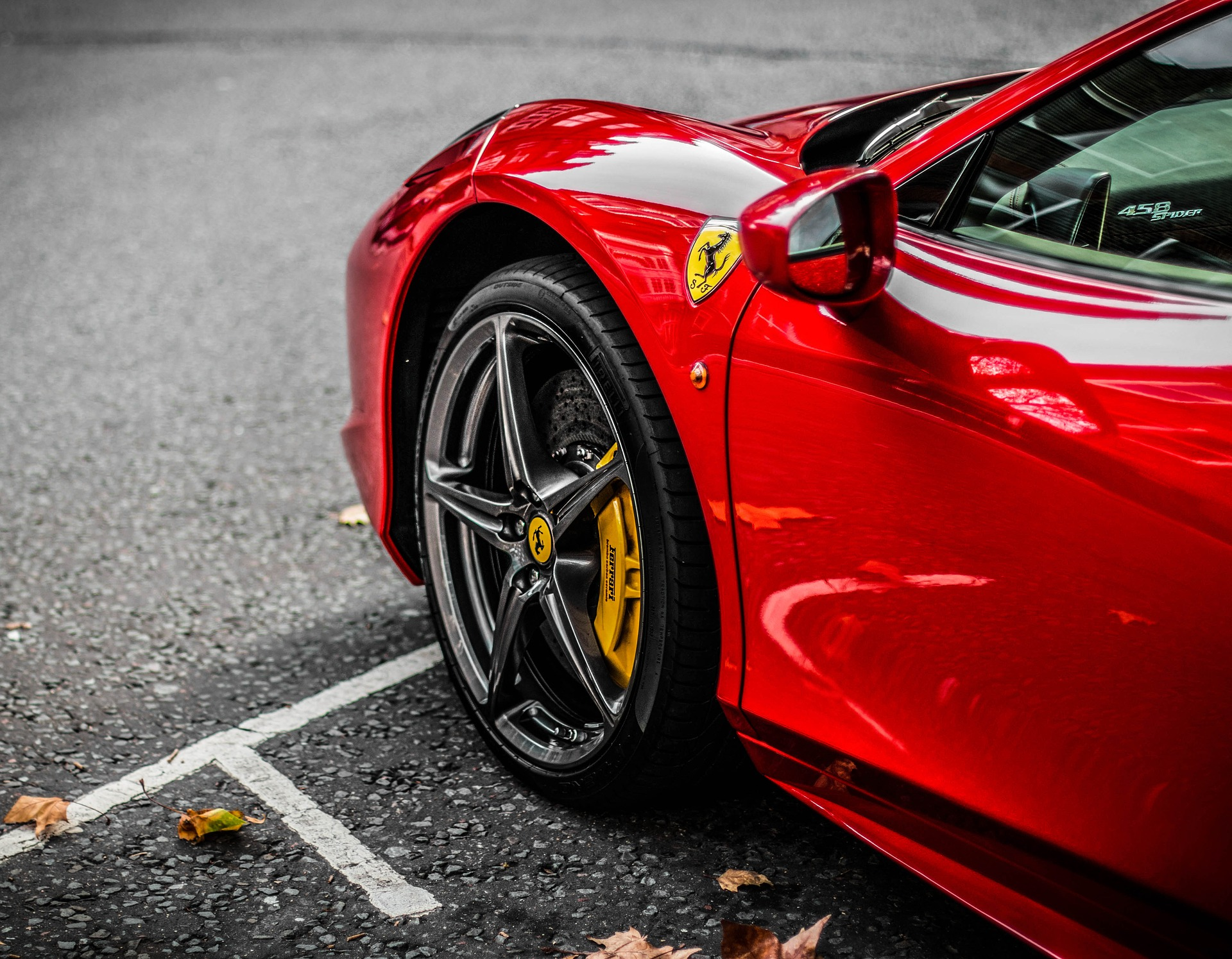 http://maxpixel.freegreatpicture.com/Supercar-Car-Style-Motor-Auto-Vehicle-Ferrari-2932193