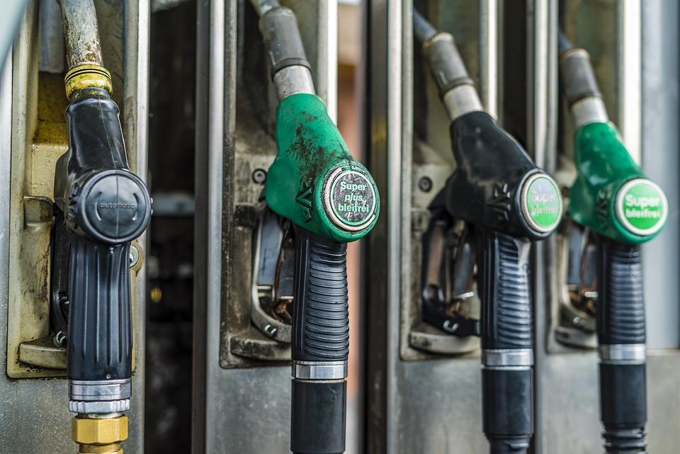 petrol-stations-3226494_960_720
